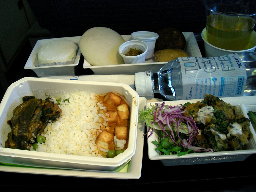 全日空の機内食 NH0111 Indian Veg[2010/05 シンガポール(1)]